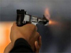 """مصادر: مواطن يقتل زوجته طعناً وشقيقه بإطلاق النار في """"شرائع مكة"""" ويفرّ من الموقع"""