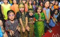 بصور خاصة من الخرج اليوم ..  90 طفلة تشارك في مسابقة نقش الحناء ، ونهائي البلايستيشن غدا ، وزيارة مفرحة لابن حفيظ