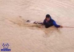الدفاع المدني ينتشل جثتَيْ طفلين غرقا في تجمع مائي ناتج عن الأمطار