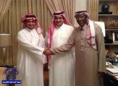 بالصور : أحمد عيد والبلطان يتصافحان قبل نهائي كأس الملك