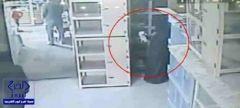 بالفيديو.. امرأة تسرق قطة باحترافية وكاميرا المراقبة تفضحها