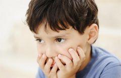 هل تخويف الطفل كنوع من العقوبة شيء إيجابي؟.. استشاري نفسي يوضح