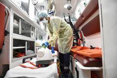 """استشاري أمراض معدية يكشف سبب انخفاض أعداد وفيات """"كورونا"""""""