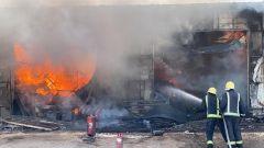 الدفاع المدني بالرياض يحقق في ملابسات وأسباب حريق الجنادرية