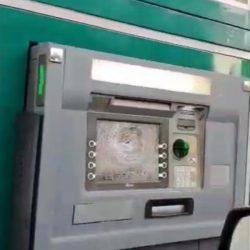 بالفيديو.. عبدالله المعيوف يعلن تجديد عقده مع الهلال لمدة 3 سنوات