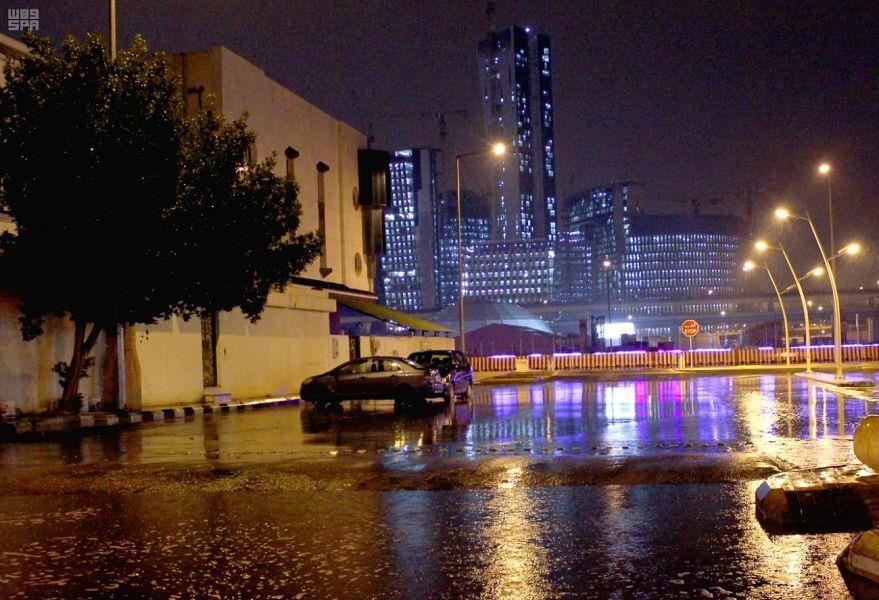 طقس الأحد: أمطار رعدية مصحوبة بنشاط في الرياح على معظم مناطق المملكة