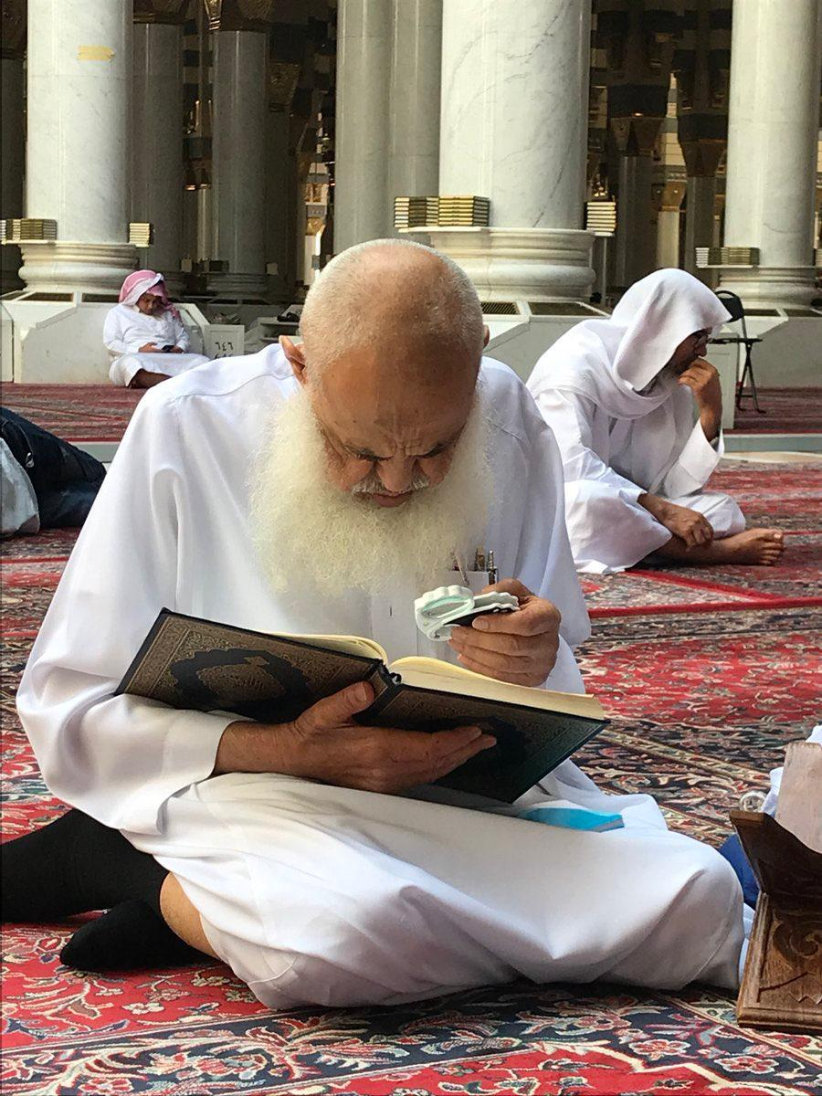 توفي الشيخ عبد الله الخليفة