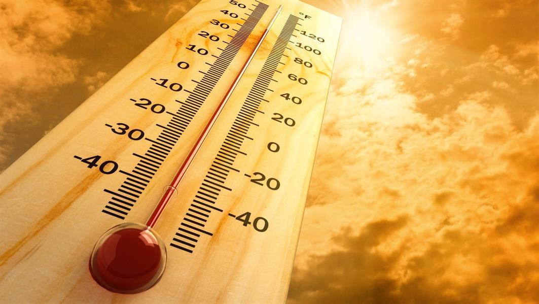 """بالفيديو.. """"الأرصاد"""": درجات الحرارة تصل إلى الـ50 مئوية الثلاثاء المقبل.. وهذه المنطقة تسجل الأعلى"""