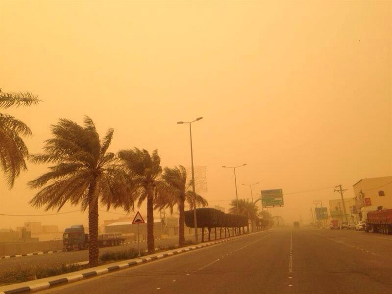 """""""الأرصاد"""": تنبيهات بأمطار رعدية ورياح نشطة وعوالق ترابية على عدد من المناطق"""