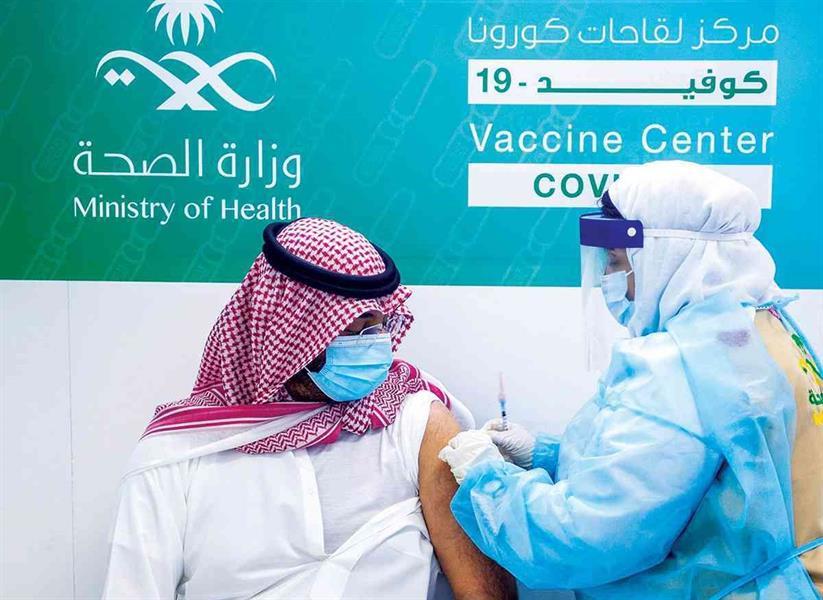 """هل يعني عدم ظهور أعراض جانبية بعد تلقي اللقاح أن جهاز المناعة أو اللقاح لا يعمل؟ """"الصحة"""" تجيب"""