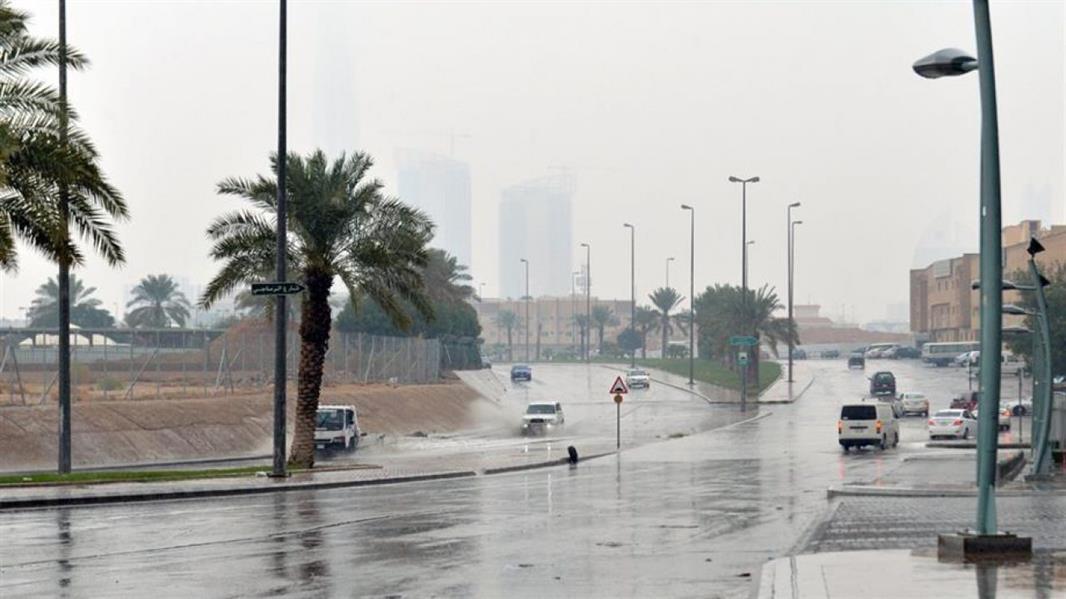 طقس الإثنين: أمطار رعدية مصحوبة برياح نشطة وزخات من البرد على بعض مناطق المملكة