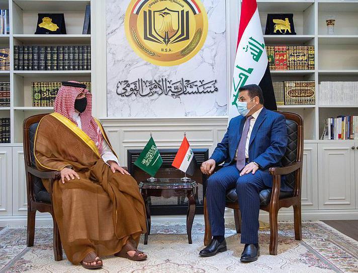 وزير الداخلية يبحث مع نظيره العراقي تعزيز التعاون بين الأجهزة الأمنية في البلدين