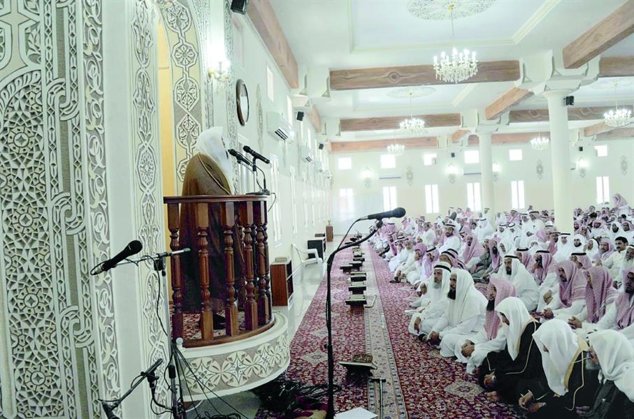 أحكام بالسجن والغرامة ضد 22 شخصاً منعوا خطيب أحد مساجد الطائف من الدخول إليه