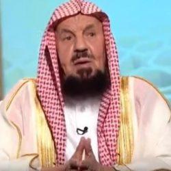 بالصور.. أمير الرياض بالنيابة يؤدي صلاة الميت على الأميرة دلال بنت سعود بن عبد العزيز