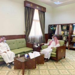 سمو امير الرياض بالانابة يلتقي العثمان والهزاني