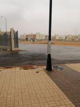 بالصور.. #بلدية_الخرج تواصل أعمال صيانة ومعالجة الأغطية لأعمدة الإنارة بالمحافظة