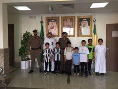 مدرسه هشام بن عبدالملك الابتدائيه تزور إدارة الدفاع المدني بمحافظه الخرج