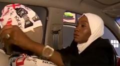 فتاة تحوّل شغفها بتزيين السيارات إلى مصدر رزق.. وهذه أغرب طلبات السيدات في مركباتهن