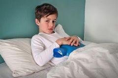 أحدها ليس له علاج.. تعرّف على أشهر أمراض الجهاز الهضمي للأطفال