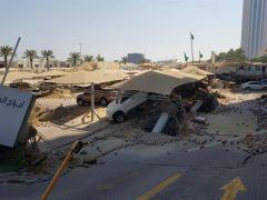 شاهد.. انهيار أرضي بمواقف سيارات لبرج تجاري في الخبر.. والجهات الأمنية تباشر
