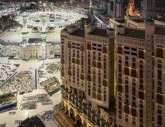 """عودة العمرة ترفع إشغال فنادق مكة إلى 10%.. و""""العزيزية"""" المستفيد الأول"""