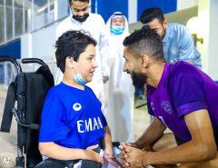 بالفيديو.. الهلال يلبي رغبة طفل من ذوي الإعاقة في زيارة النادي ولقاء اللاعبين