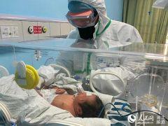 بالفيديو.. مدير قسم الطوارئ في مستشفى بجدة: استقبلنا 200 طفل مصاب بكورونا.. وهكذا نتعامل معهم