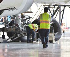"""""""الخطوط السعودية"""" توقع اتفاقية شراكة مع كلية """"سبارتن"""" الأمريكية في مجال تدريب صيانة الطائرات"""