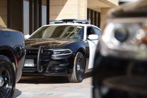 شرطة الشرقية: القبض على مواطنَين ارتكبا عدداً من جرائم سرقة المنازل ومحل تجاري وثلاث سيارات