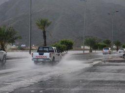 طقس الجمعة: هطول أمطار رعدية مصحوبة بزخات البرد على معظم مناطق المملكة