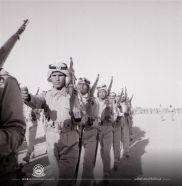 قبل 48 عاما.. صورة قديمة لتدريب المشاة لطلاب المدارس العسكرية بالحرس الوطني