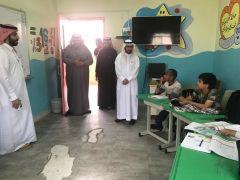 بالصور.. مدرسة اليرموك الابتدائية تستقبل مدير التعليم الخرج
