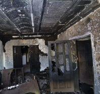 تماس كهربائي يُشعل النار في شقة.. وسكانها يفرون منها ذعراً في مكة المكرمة